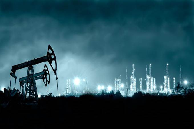 Oil Futures Struggle as Second Wave Weighs
